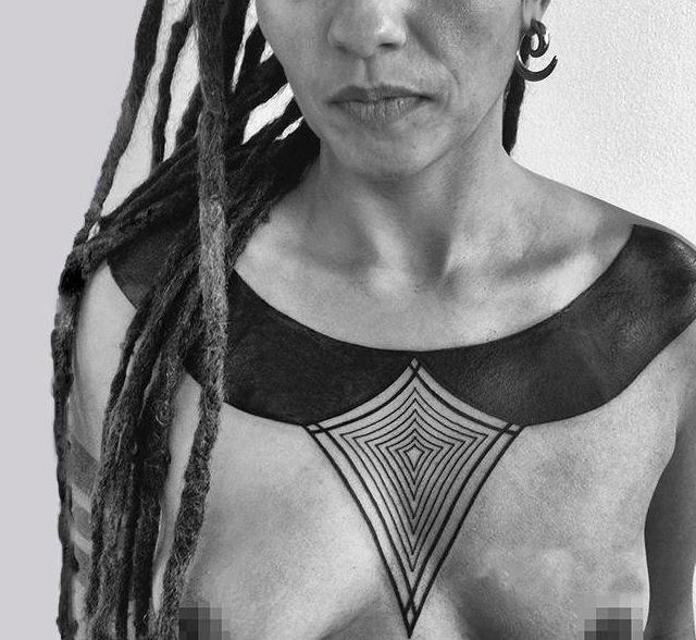 Aztek Necklace Blackwork tattoo idea