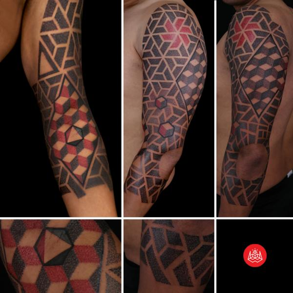 Slouder Black and Red Dotwork tattoo by 2vision Estudio