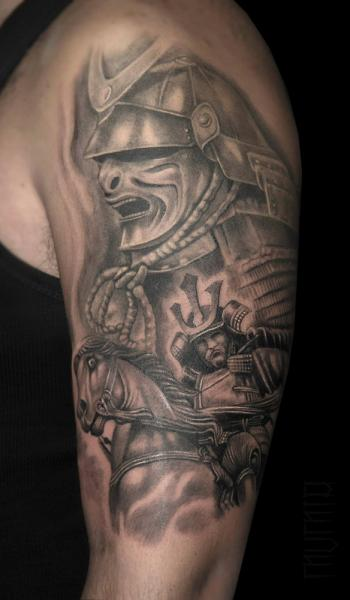 Black and White Japanese Warrior Realistic tattoo by Mumia Tattoo