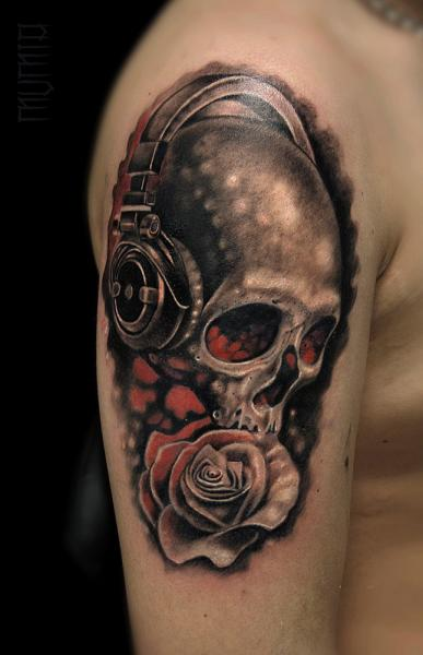 Headphones Rose and Scull tattoo by Mumia Tattoo