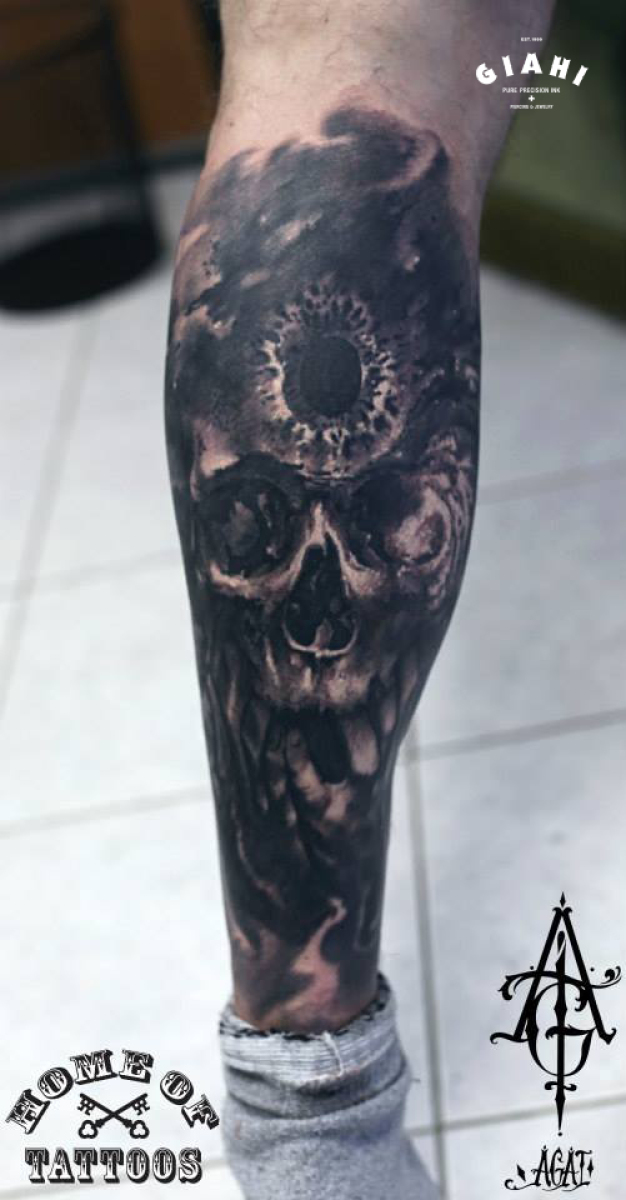 Hole in Head Skull tattoo by Agat Artemji