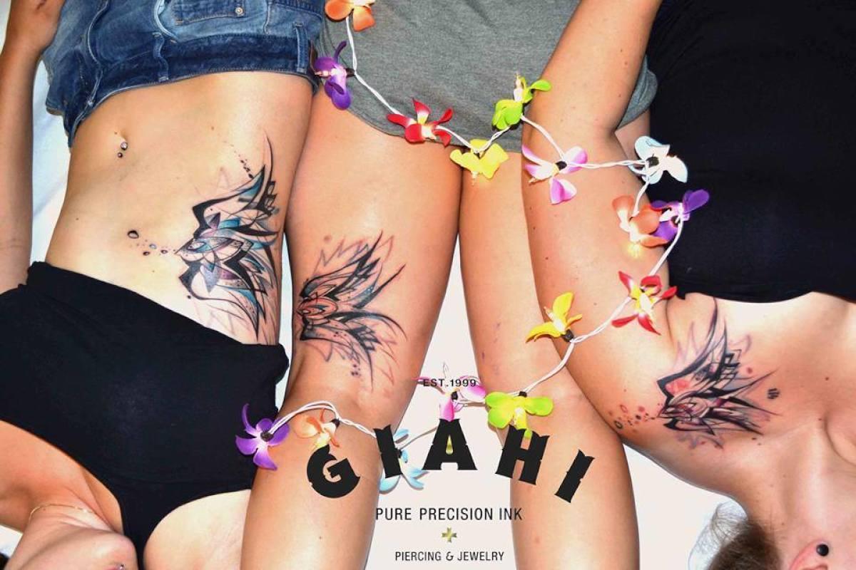 Same Swallow tattoo by Petra Hlavàckovà