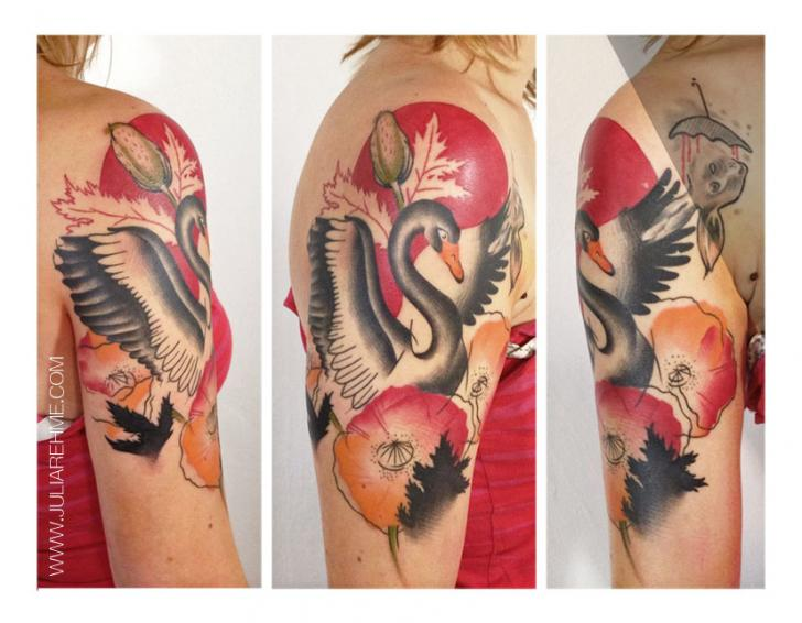 Shoulder Poppy and Goose tattoo by Julia Rehme