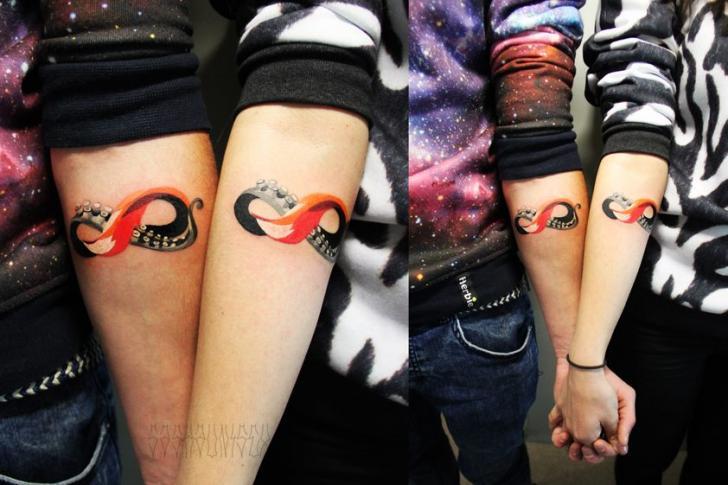 Tentacle Infinity tattoo by Sasha Unisex