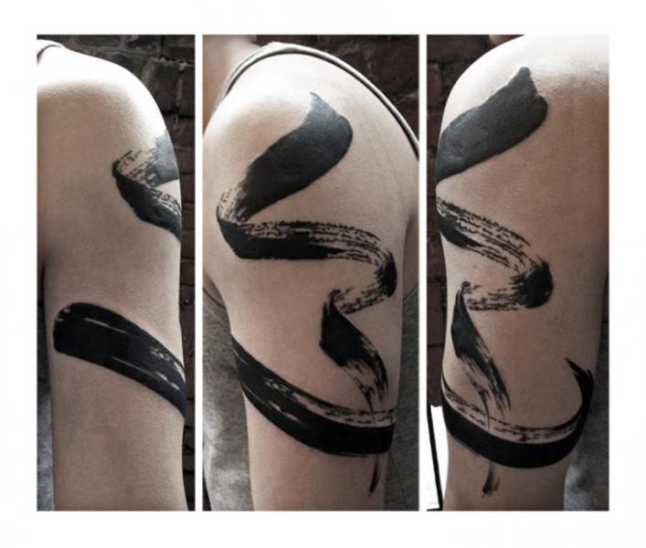 Uneven Brush Blackwork tattoo by Julia Rehme