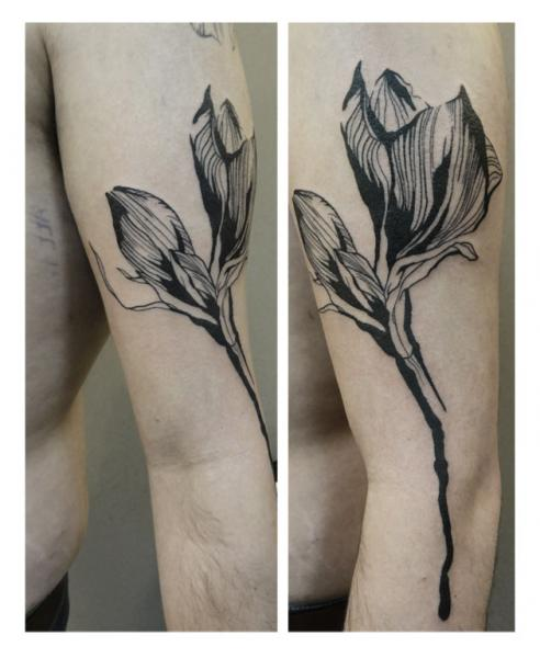 Unopened Bud Blackwork tattoo by Julia Rehme