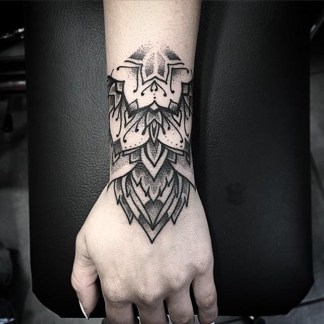 Hand Mandala Wrist tatto