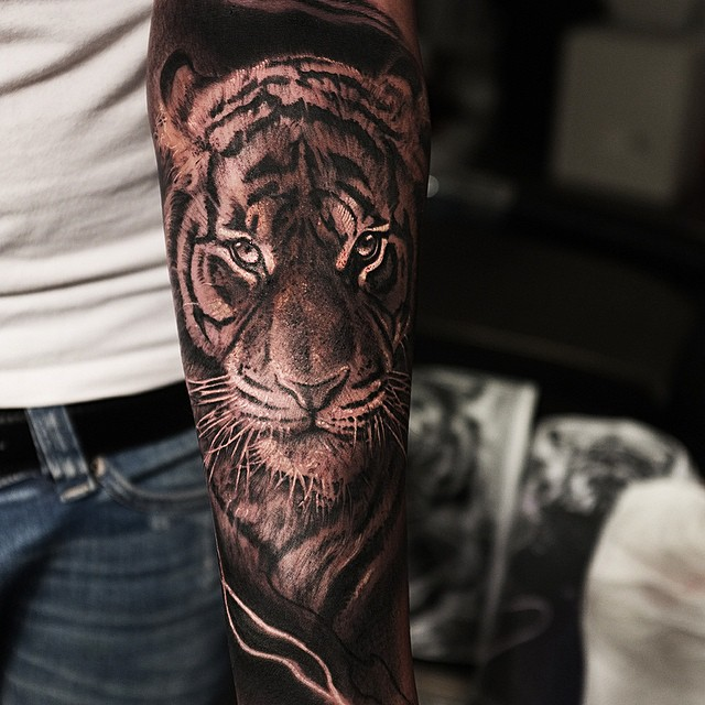 Close Up Look Tiger tattoo