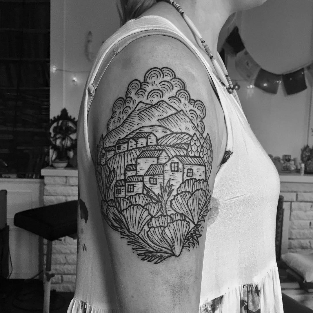 Shouder Tattoo Girl