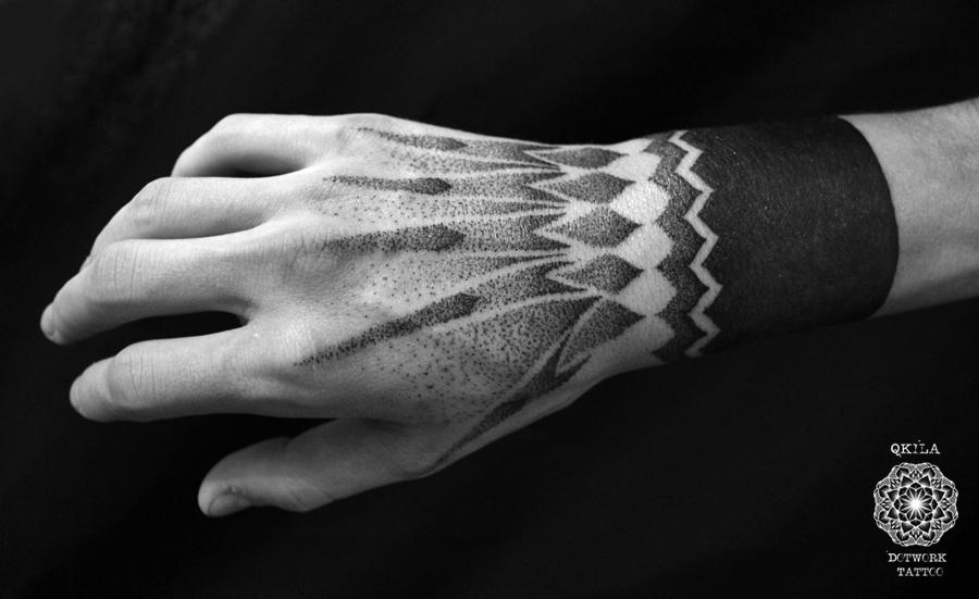 hand dotwork tattoo qkila