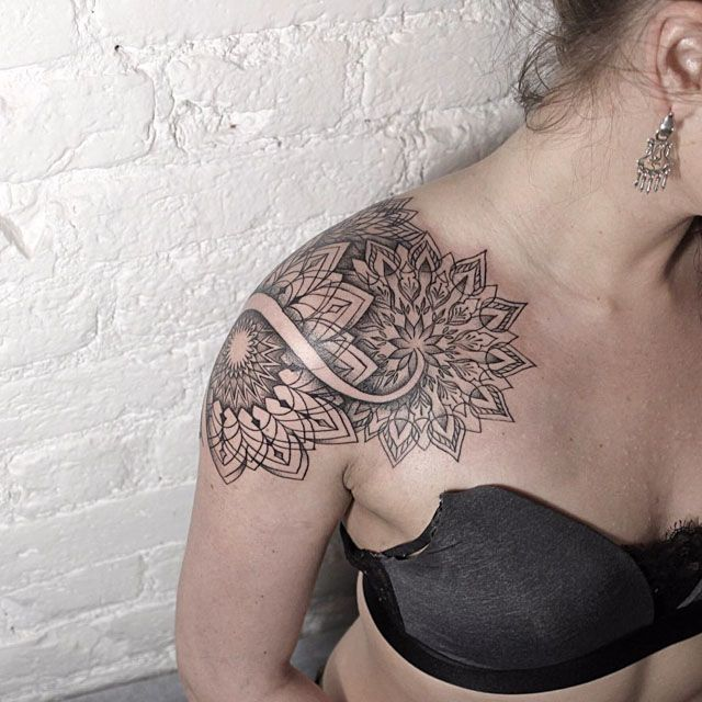 mandala tattoos on shoulder