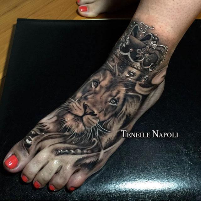 foot lion tattoo