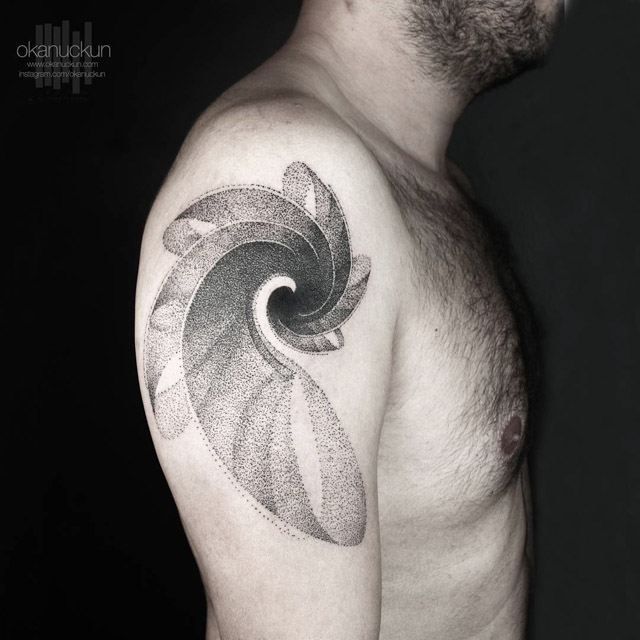 shoulder spiral tattoo