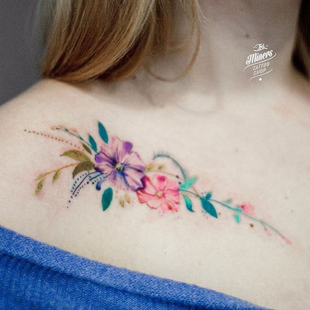 Flower Collar Bone Tattoos