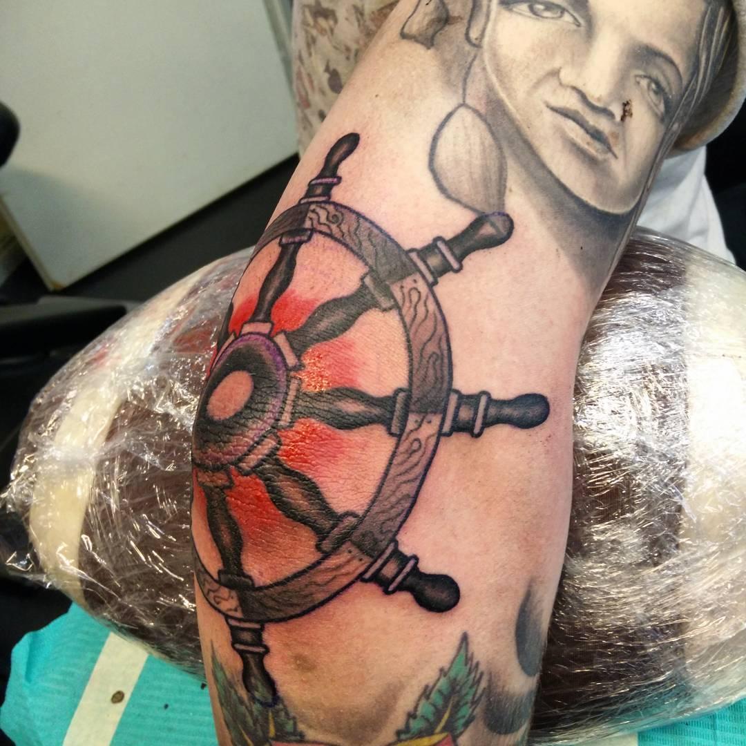 Tattoo Steering Wheel by thebaron