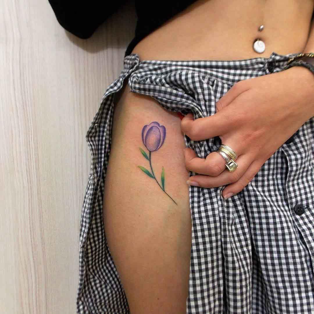 tulip tattoo on girl