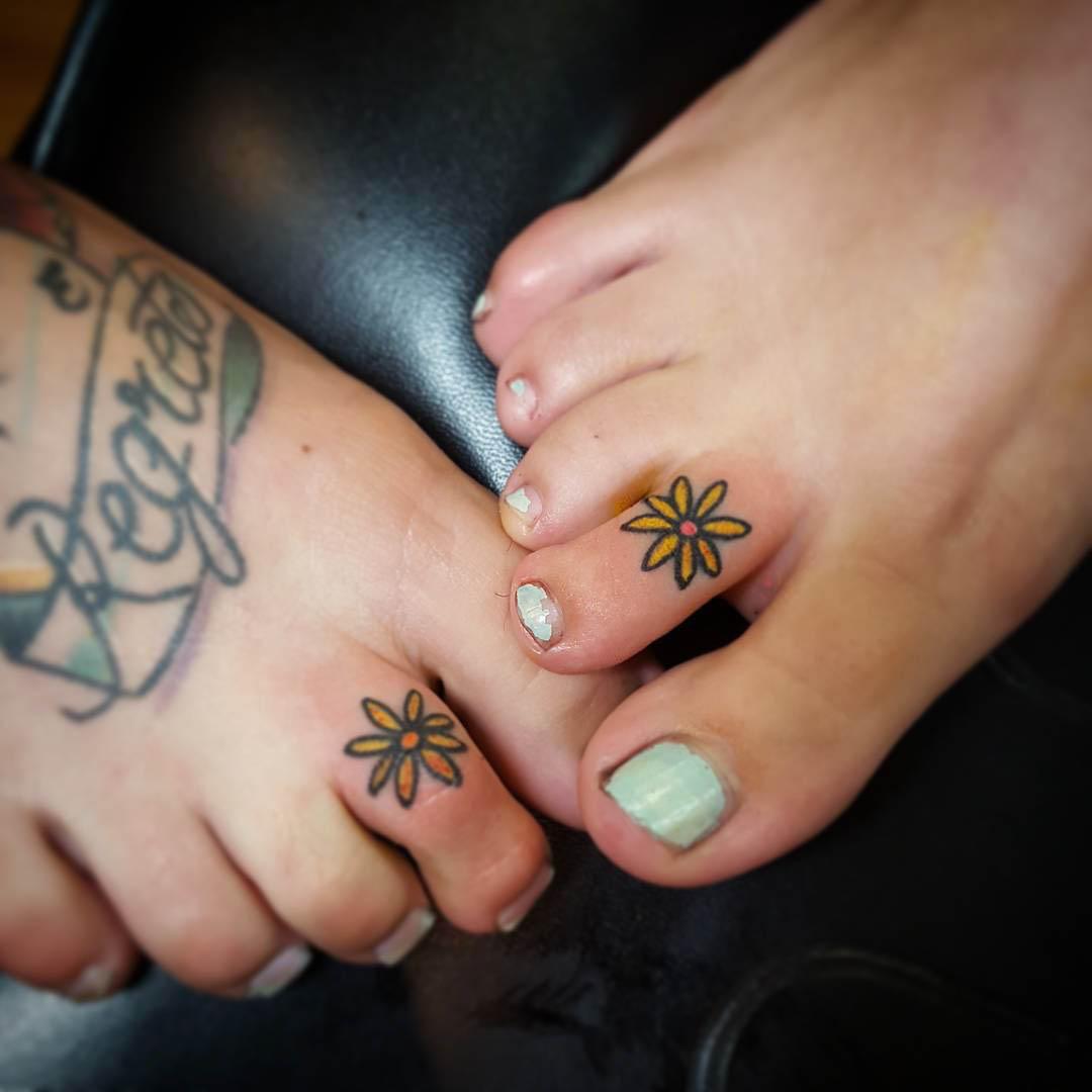 Flower Toe Tattoos by Katidyer Tattoo