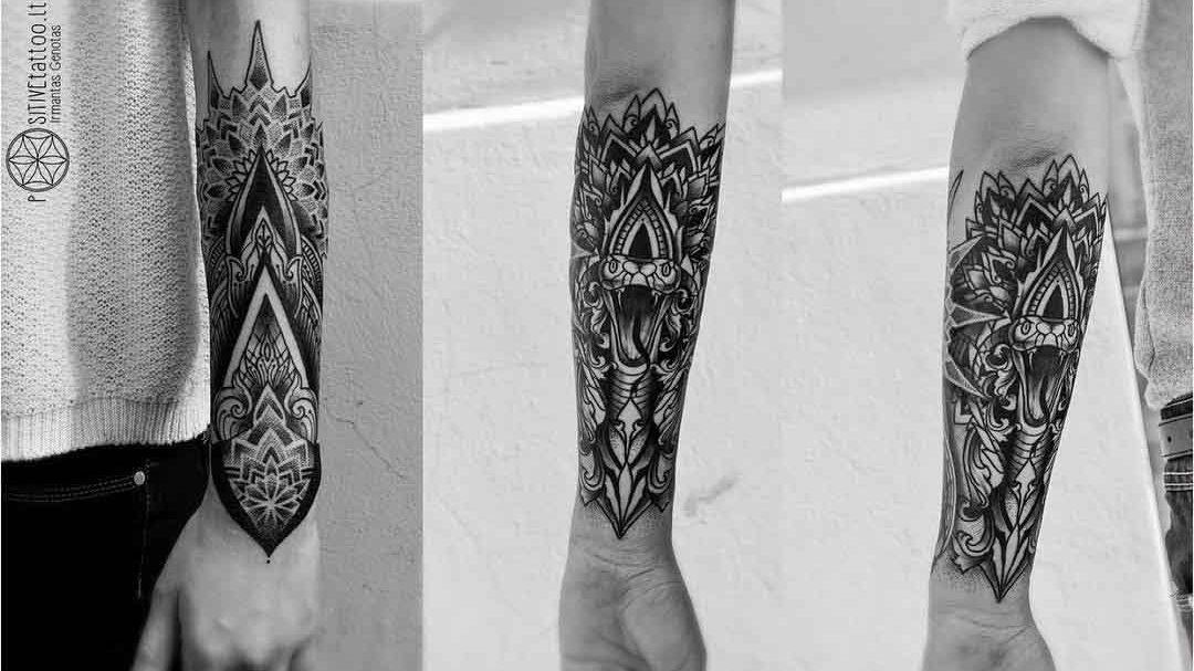 armband tattoo dotwork