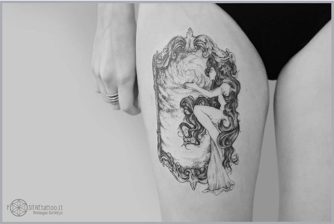 thigh tattoo venus mirror