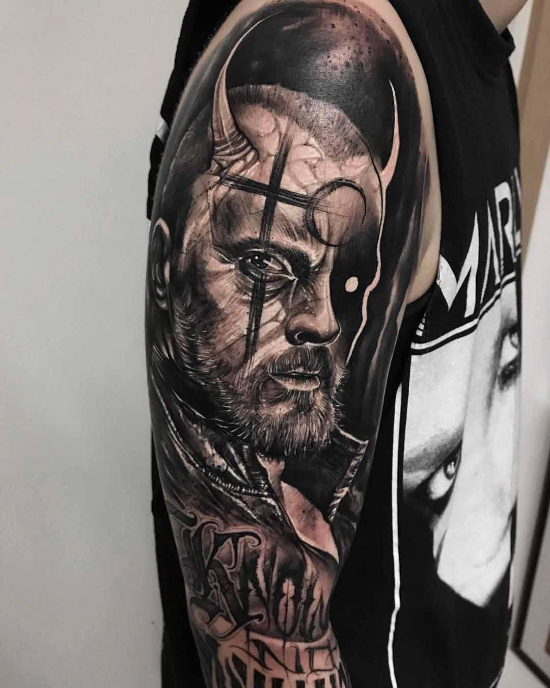 shoulder tattoo captain flint