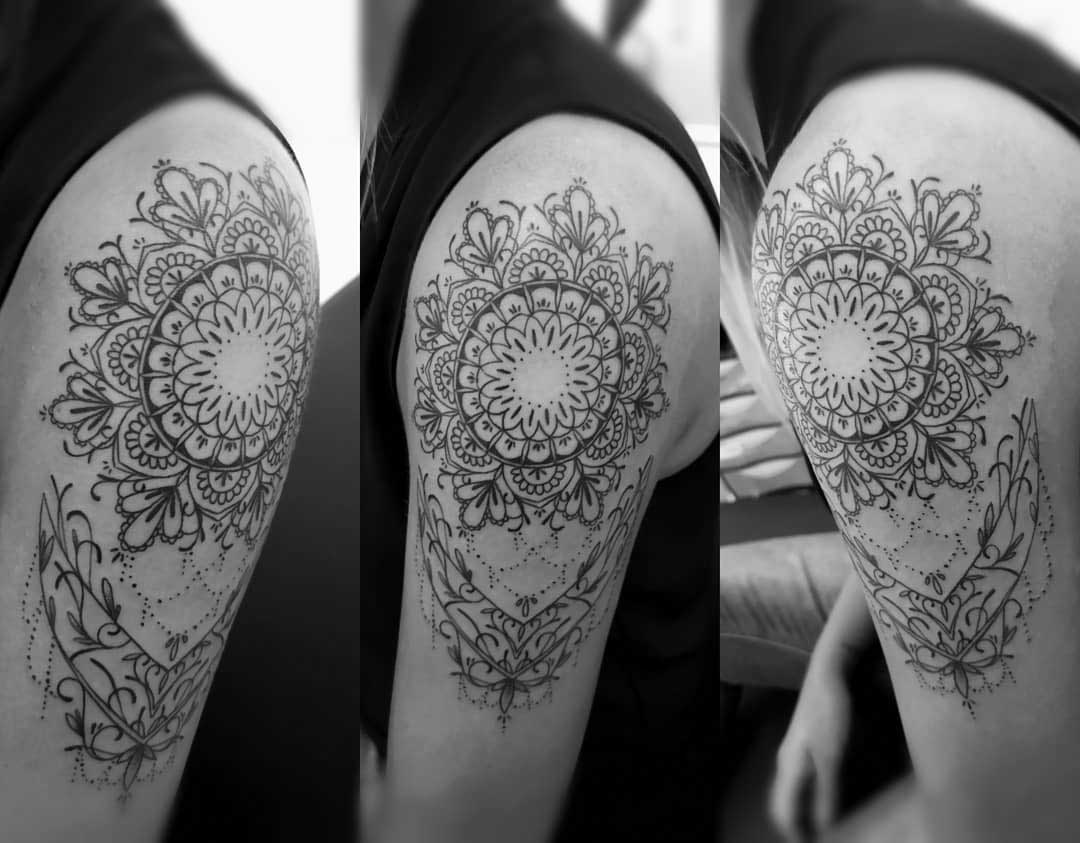 shoulder tattoo mandala