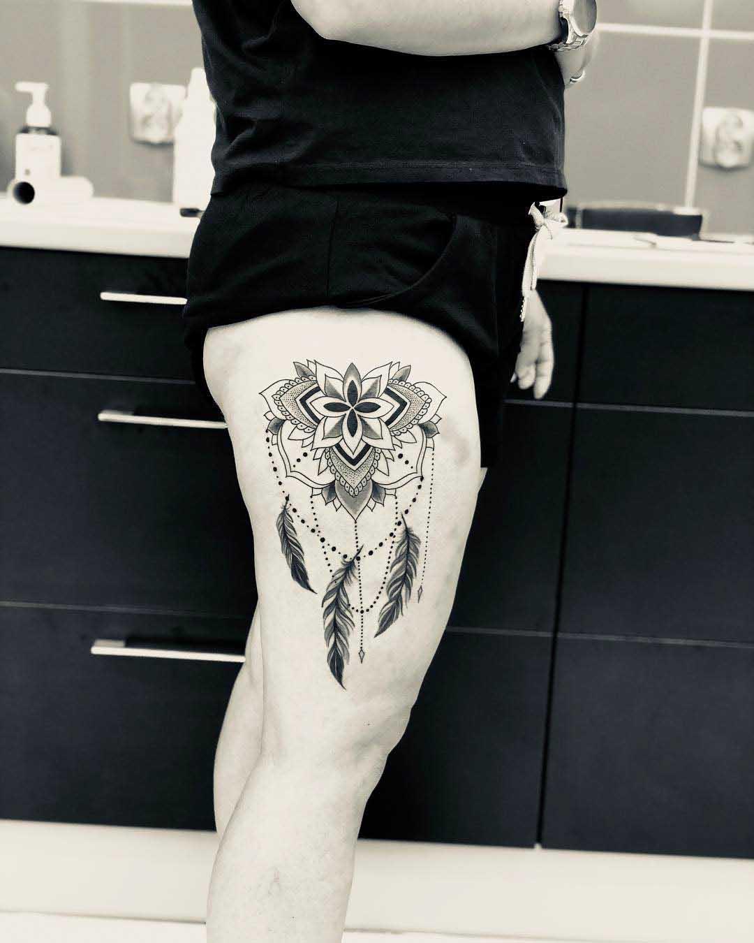 hip tattoo ornament