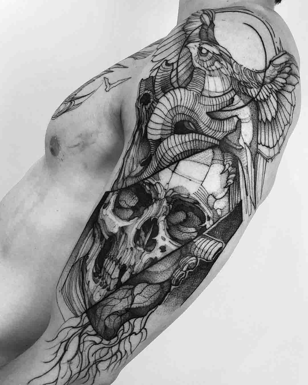 shoulder skull tattoo