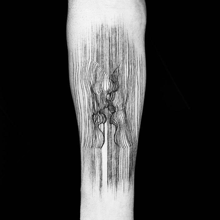 lines tattoo kiss